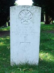 The grave of Private Desborough from the Notts and Derby Regiment. Photo by Tracy Dodds.