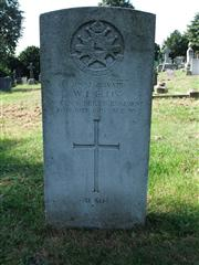 The grave of Private Ellis, of the Notts and Derby regiment. Photo by Tracy Dodds