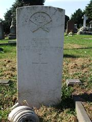 The grave of Gunner Hudson of the machine gun corps (motors) Photo by Tracy Dodds