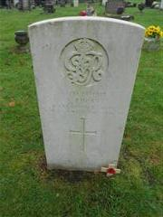 Commonwealth war grave headstone marking the grave of Sam Lucas at Redhill Cemetery,Arnold 
