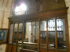 The screen between the crossing and the Lady Chapel