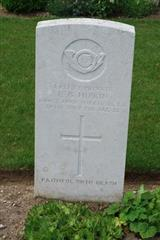 photo shows the commonwealth war grave headstone marking the grave of Edward Hipkin in 
