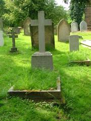 photo showing the grave of John Cyril Hodges at St Nicholas and St Peter churchyard , Curdworth near Birmingham.