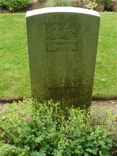 Commonwealth war grave headstone marking his grave at Couin New British Cemetery, Pas de Calais. Courtesy of Murray Biddle