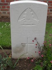Commonwealth war grave headstone marking his grave at Heilly Station cemetery, Mericourt-L'Abbe Somme, France. Courtesy of Murray Biddle
