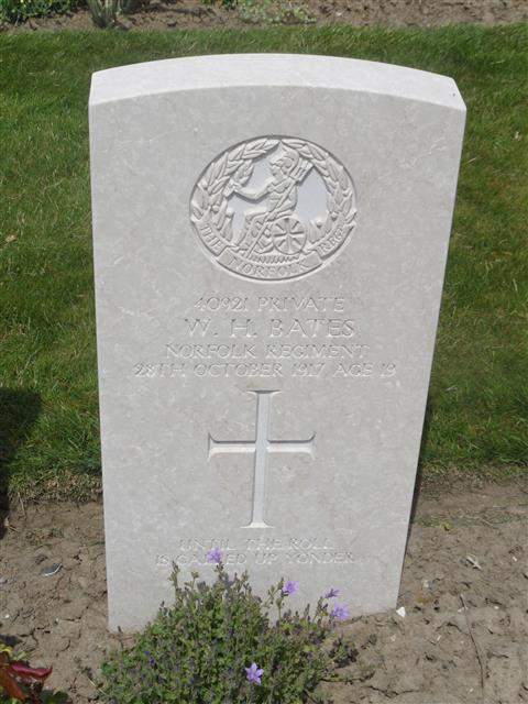 Commonwealth War Graves Commission headstone at Tyne Cot Cemetery, Belgium. Courtesy of Murray Biddle
