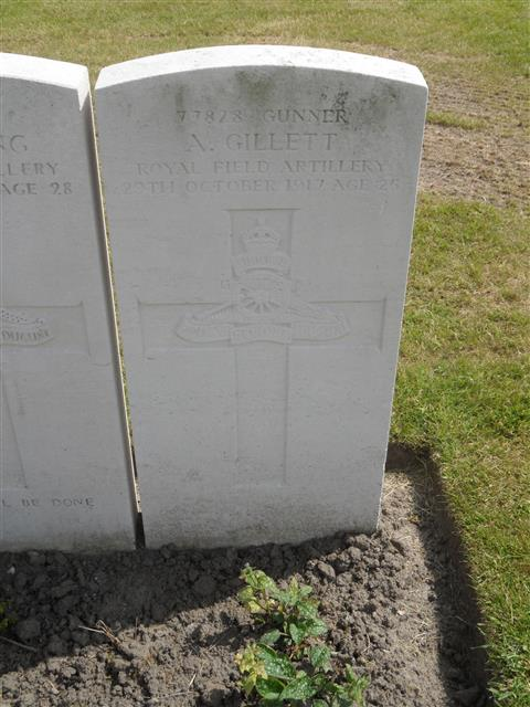 Commonwealth War Graves Commissionheadstone at Duhallow ADS Cemetery,  Belgium. Courtesy of Murray Biddle