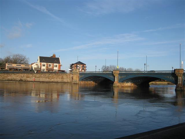 Trent Bridge linking Nottingham's Meadows district on the north bank with West Bridgford to the south.