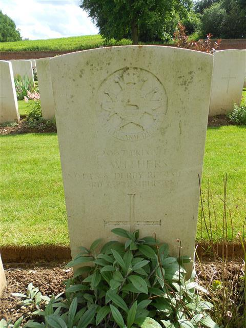 Commonwealth wargrave commission headstone marking the grave of Samuel Withers at Ancre British Cemetery 