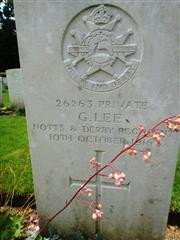 Headstone of George Lee in Connaught Cemetery, Thiepval.