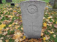 The commonwealth wargrave commission headstone marking the grave of Herbert Wooll in the Rock Cemetery, Nottingham, courtesy of Peter Gillings