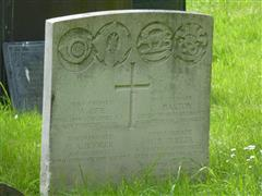 The commonwealth wargraves commission headstone marking the grave of Arthur Bee at the Nottingham General Cemetery courtesy of Peter Gillings