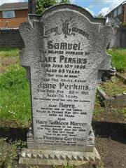 The family grave of the Perkins family commemorating the death of Harry Perkins in Basford Cemetery.