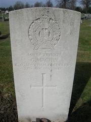 Commonwealth War Grave headstone marking the grave of George Machin at Hucknall Cemetery.