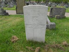 The commonwealth wargrave headstone marking the grave of Fred Kelk at Worksop (Retford Road) Cemetery. 