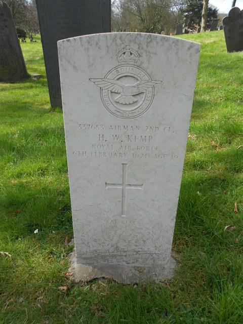 Commonwealth wargrave marking the grave of Harry Wilson Kemp at The General Cemetery. Courtesy of Peter Gillings