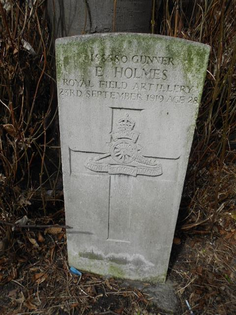 Commonwealth wargrave headstone, marking the grave of Ernest Holmes at The General Cemetery, Nottingham. Courtesy of Peter Gillings