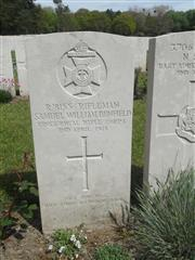 Commonwealth war grave headstone marking the grave at Etaples Military Cemetery. Courtesy of Murray Biddle