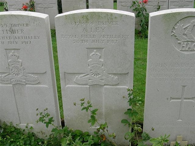 Commonwealth War Graves Commission headstone at Vlamertinghe New Military Cemetery. Courtesy of John Beech