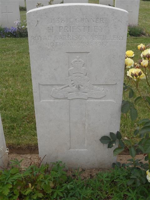 Commonwealth War Grave Commission headstone marking his grave at Rocquigny-Equancourt Road British Cemetery. Courtesy of Murray Biddle